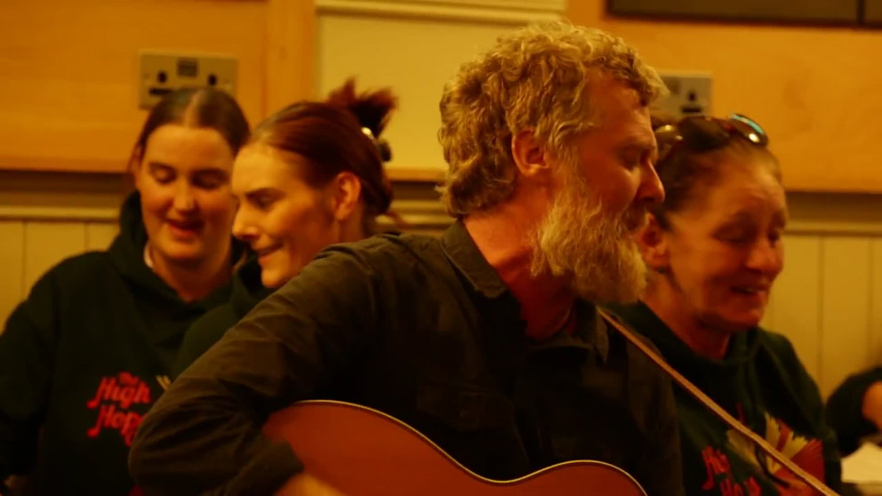 Lyric high hope lyrics glen hansard : WATCH: Glen Hansard sings Hey Day with High Hopes Choir in Temple ...